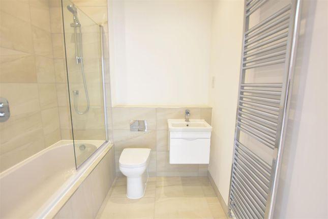 Bathroom of Manor Farm Close, Cliffe, Rochester ME3