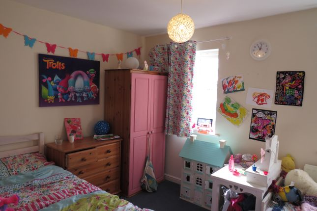 Bedroom 2 of Padstow Drive, Stafford ST17