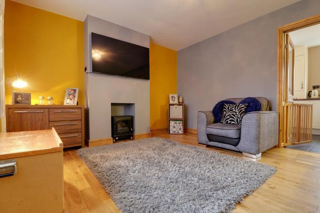 Thumbnail Semi-detached house for sale in Earsham Close, Hull