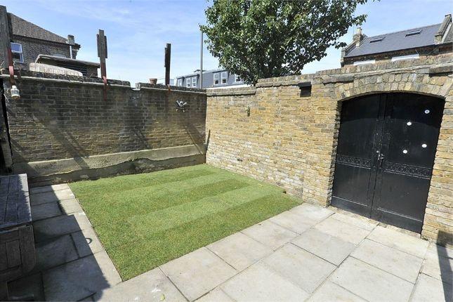 3 bed flat to rent in Aspley Road, Aspley Road, Wandsworth, London