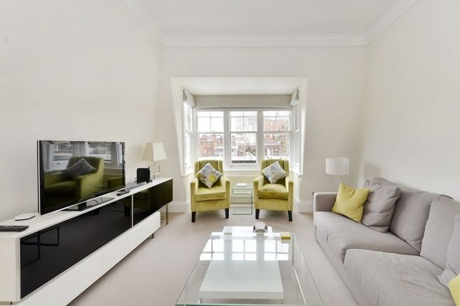 Thumbnail Flat to rent in Sloane Court West, Chelsea