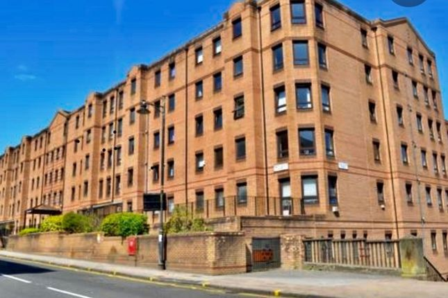 2 bed flat to rent in 42 West Graham Street, Glasgow G4