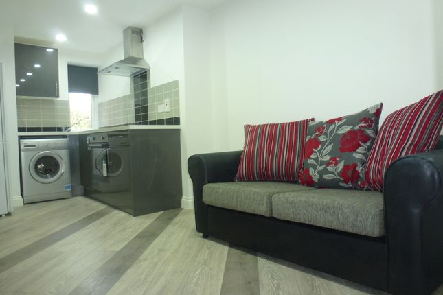 1 bed flat to rent in Bedford Street, Roath
