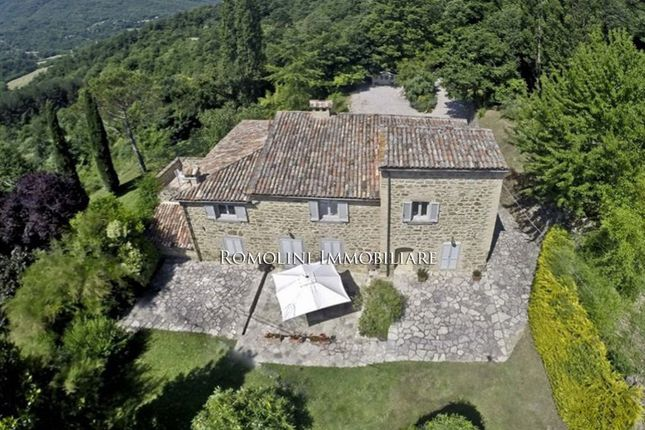 6 bed country house for sale in Cortona, Tuscany, Italy