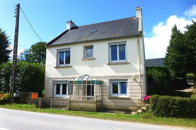 4 bed detached house for sale in 29540 Spézet, Finistère, Brittany, France