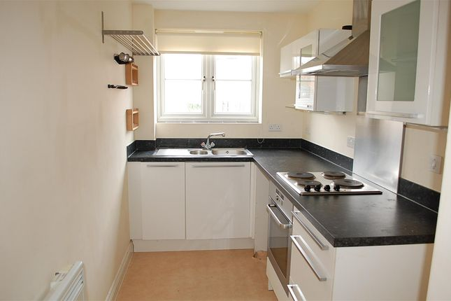 Thumbnail Flat to rent in Thames View, Abingdon, Oxfordshire