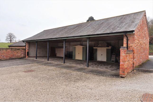 Garage of Daleacre Court, Lockington DE74