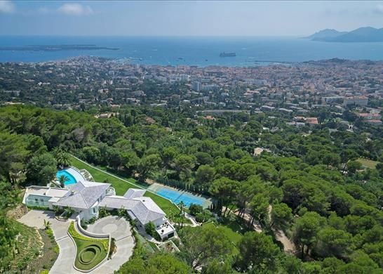 Thumbnail Detached house for sale in Cannes, France