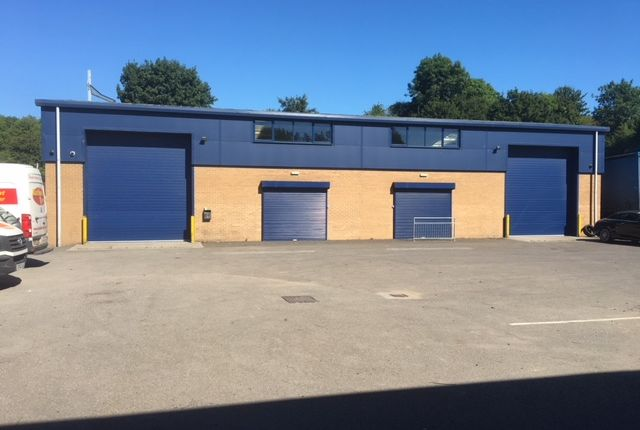 Warehouse to let in Bath Road, Chippenham