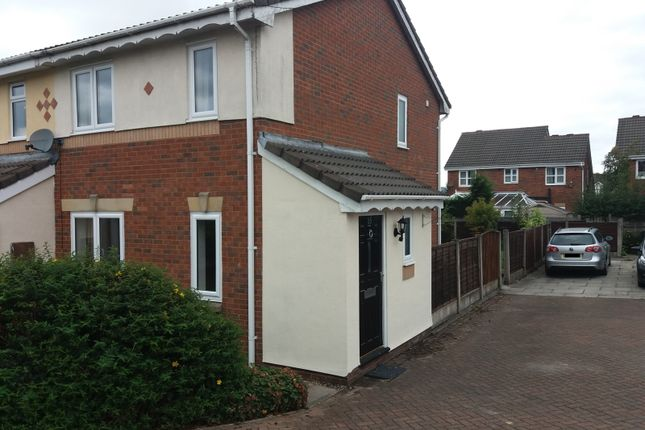 3 bed mews house to rent in 15 Balmore Close, Beaumont Rise, Bolton, Greater Manchester BL3