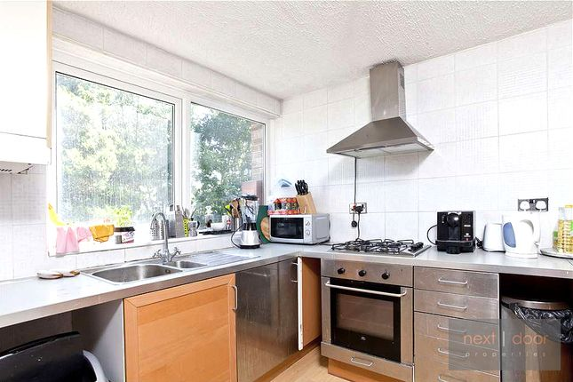 Thumbnail Flat to rent in Beaulieu Close, Camberwell