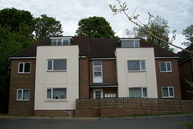 Thumbnail Flat for sale in Musgrove Close, Purley