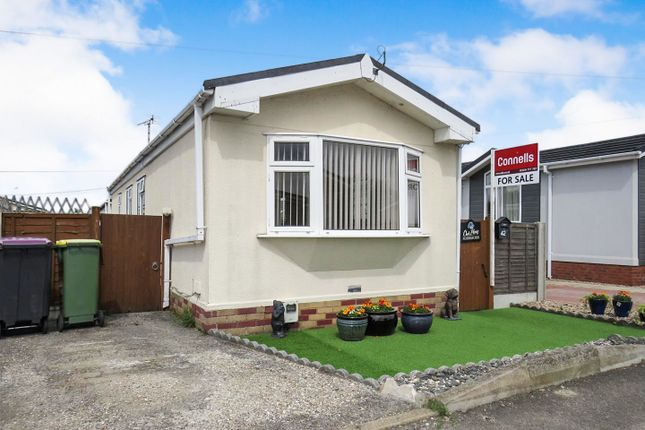 Thumbnail Mobile/park home for sale in Hockley Mobile Homes, Lower Road, Hockley