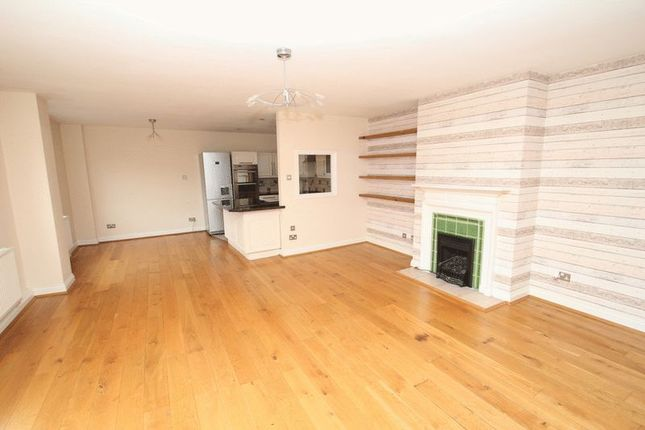 Thumbnail Flat for sale in Cross Lane, Norwich