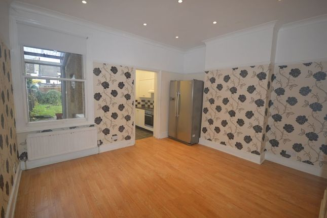 Thumbnail Terraced house to rent in Oliver Road, Sutton