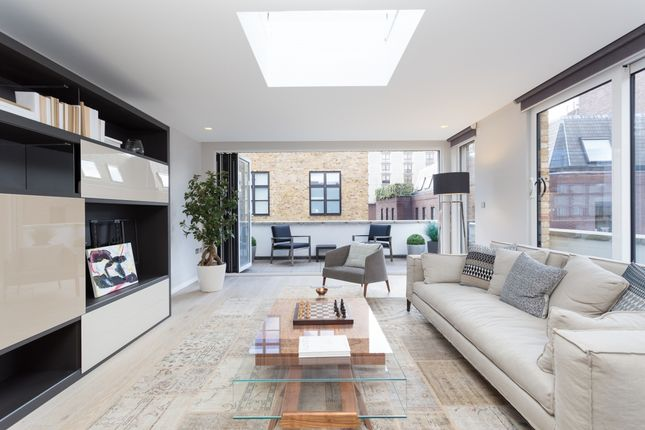 Flat for sale in Stukeley Street, London