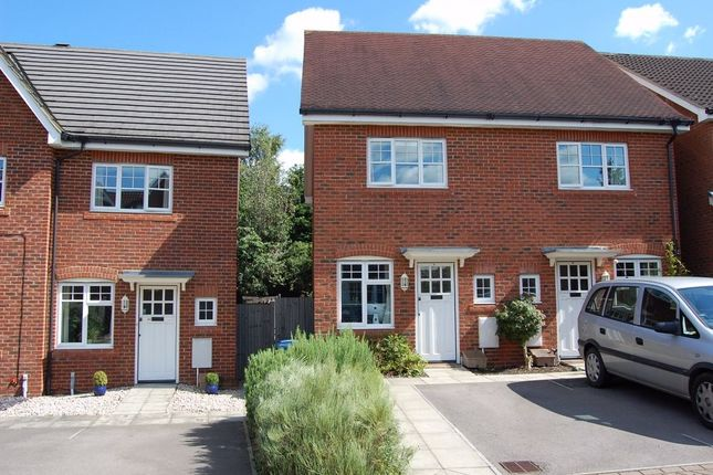 Thumbnail Semi-detached house to rent in Queens Road, North Warnborough, Hook