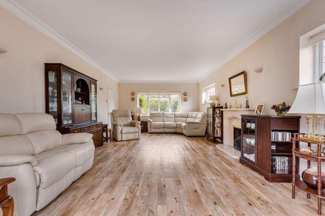 Living Room of Wellfield Gardens, Carshalton SM5