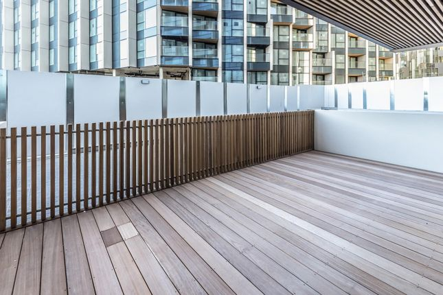 Terrace of No.2, Upper Riverside, Cutter Lane, Greenwich Peninsula SE10