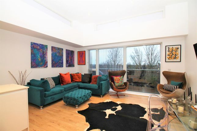 Lounge Area of Station Approach South, Welling DA16
