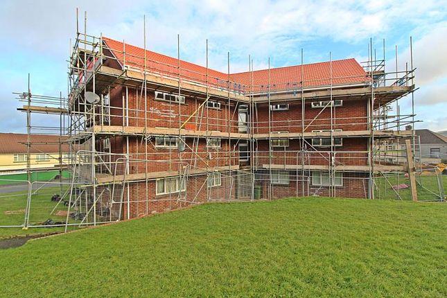 Thumbnail Flat to rent in Waunllwyd Flats, Arfryn, Penywaun - Aberdare