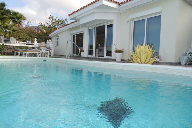Villa for sale in Avenida San Antonio, Urbanization San Francisco, Los Gigantes, Tenerife, Canary Islands, Spain