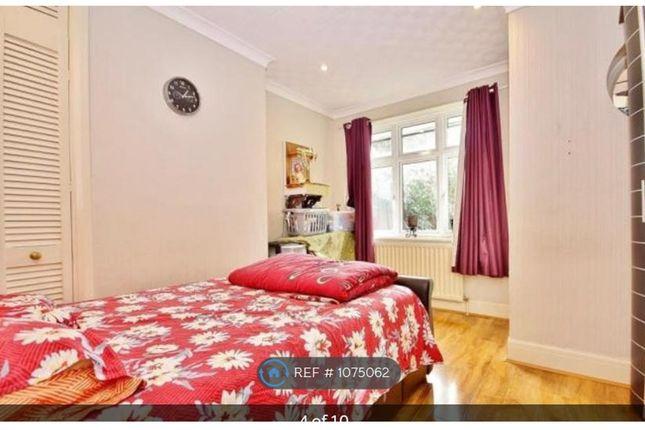 2 bed bungalow to rent in Triggs Lane, Woking GU22