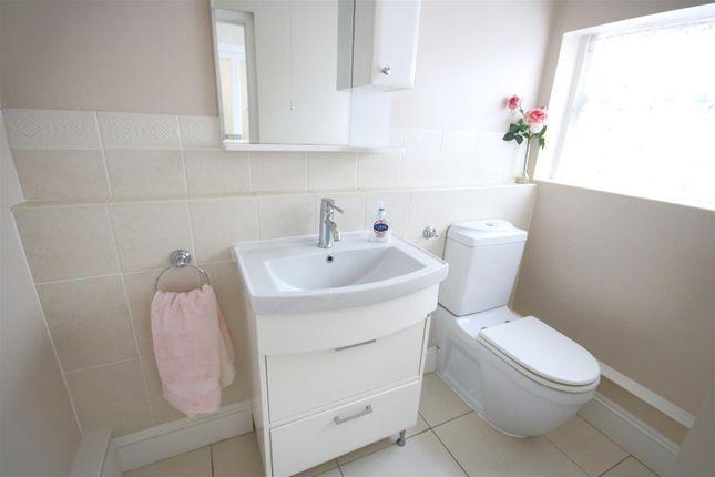 Cloakroom of Connaught Avenue, Frinton-On-Sea CO13