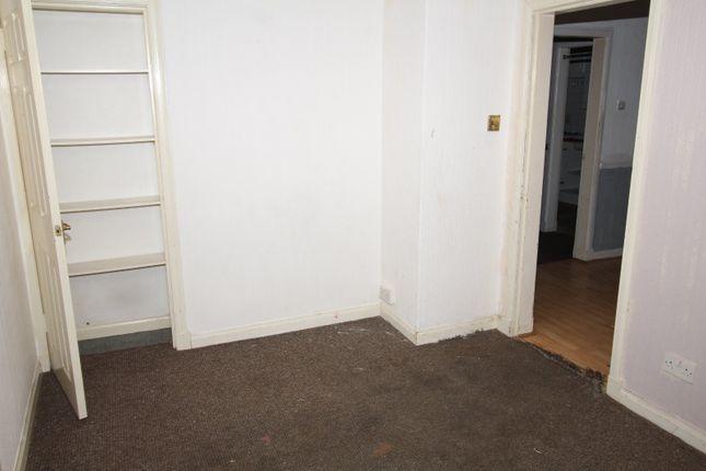Picture No. 03 of Fintrie Terrace, Hamilton, South Lanarkshire ML3