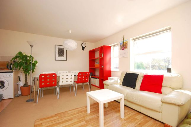 Thumbnail Flat to rent in North Road, Maybury