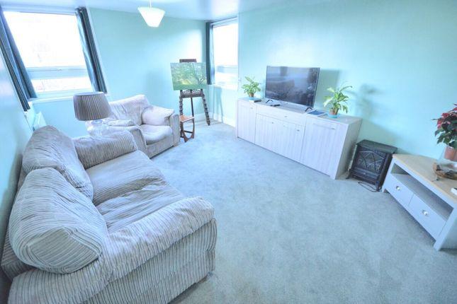 2 bed flat to rent in Hamil Road, Burslem, Stoke-On-Trent ST6
