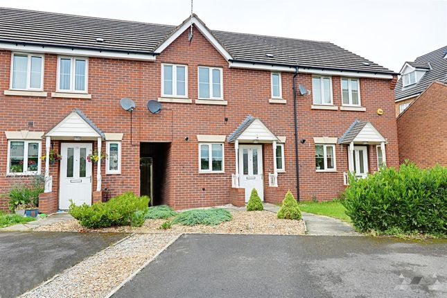 Thumbnail Town house to rent in Penncroft Lane, Danesmoor Chesterfield, Derbyshire