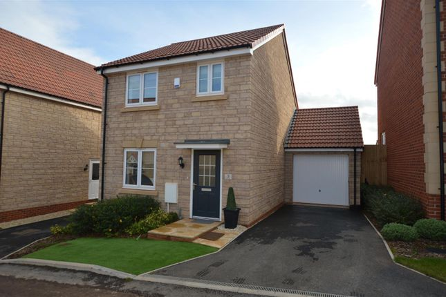3 bed detached house to rent in Voake Close, Midsomer Norton, Radstock BA3