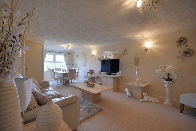 Thumbnail Flat for sale in Park Road West, Southport