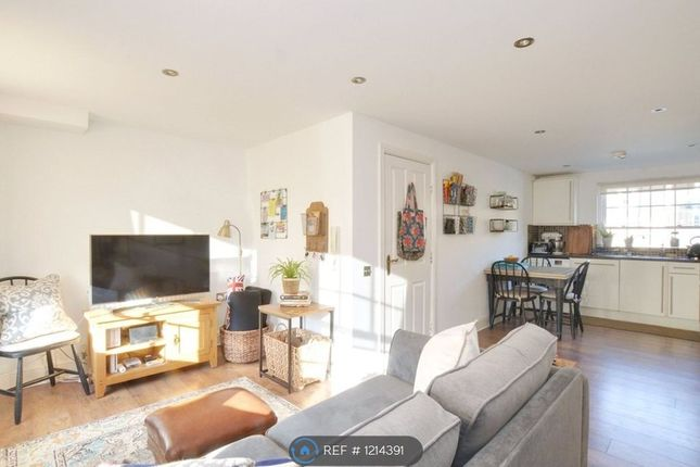 2 bed terraced house to rent in Charville Court, London SE10