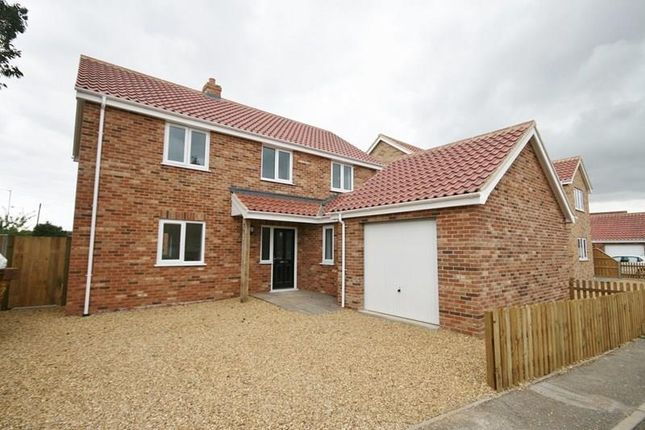 Thumbnail Property for sale in Kenan Drive, Attleborough
