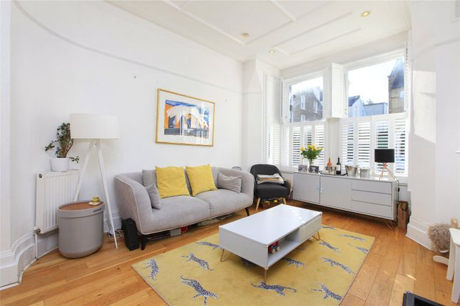 3 bed flat for sale in Thirsk Road, Battersea, London SW11