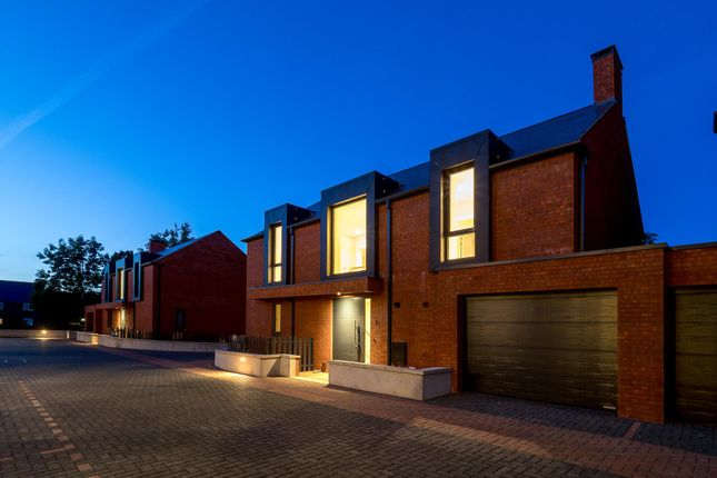 Thumbnail Property for sale in Shipston Road, Stratford-Upon-Avon, Warwickshire CV37.