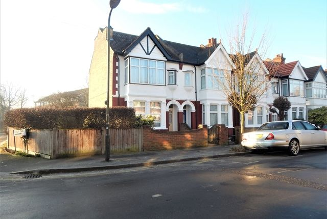 Room to rent in Cavendish Road, Colliers Wood, London