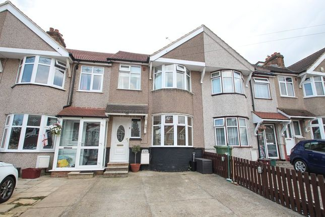Thumbnail Terraced house for sale in The Green, Welling