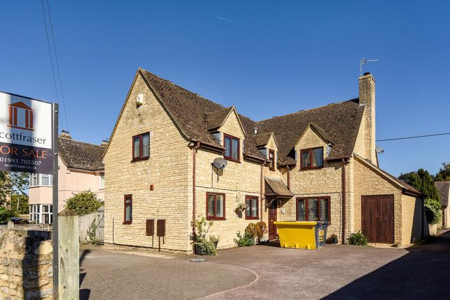 Thumbnail Detached house for sale in Oxford Hill, Witney
