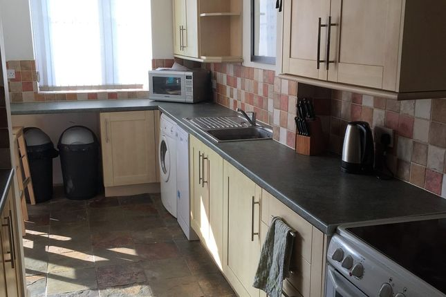 Thumbnail Semi-detached house to rent in Kingsham Avenue, Chichester, Chichester