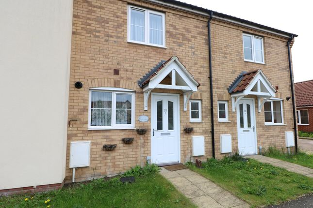 2 bed terraced house to rent in Long Meadow Drive, Roydon, Diss IP22