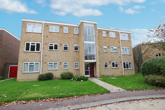 Thumbnail Flat to rent in Sunningdale Court, Jupps Lane, Goring-By-Sea