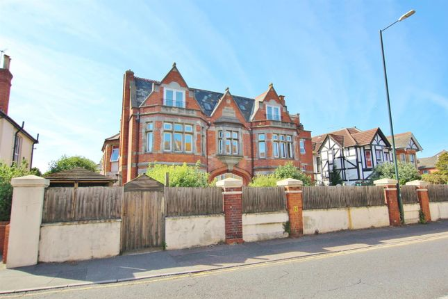 Thumbnail Flat for sale in Portchester Place, Bournemouth