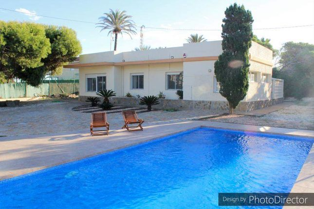Thumbnail Villa for sale in Cabo Roig, Cabo Roig, Spain
