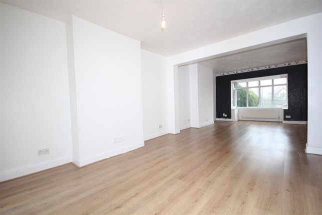 Thumbnail Property to rent in Gunnersbury Avenue, Acton