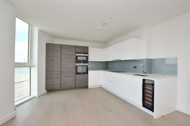 Picture No. 11 of Wyndham Apartments, 60 River Gardens Walk, Greenwich, London SE10