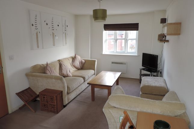 Thumbnail Flat to rent in The Fairways, Royton, Oldham