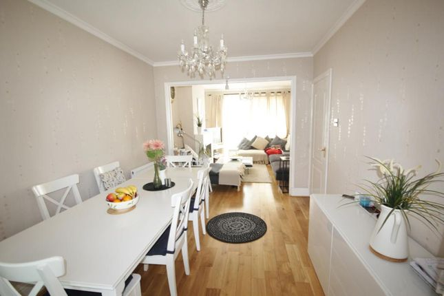Thumbnail Terraced house to rent in Curtis Road, Whitton